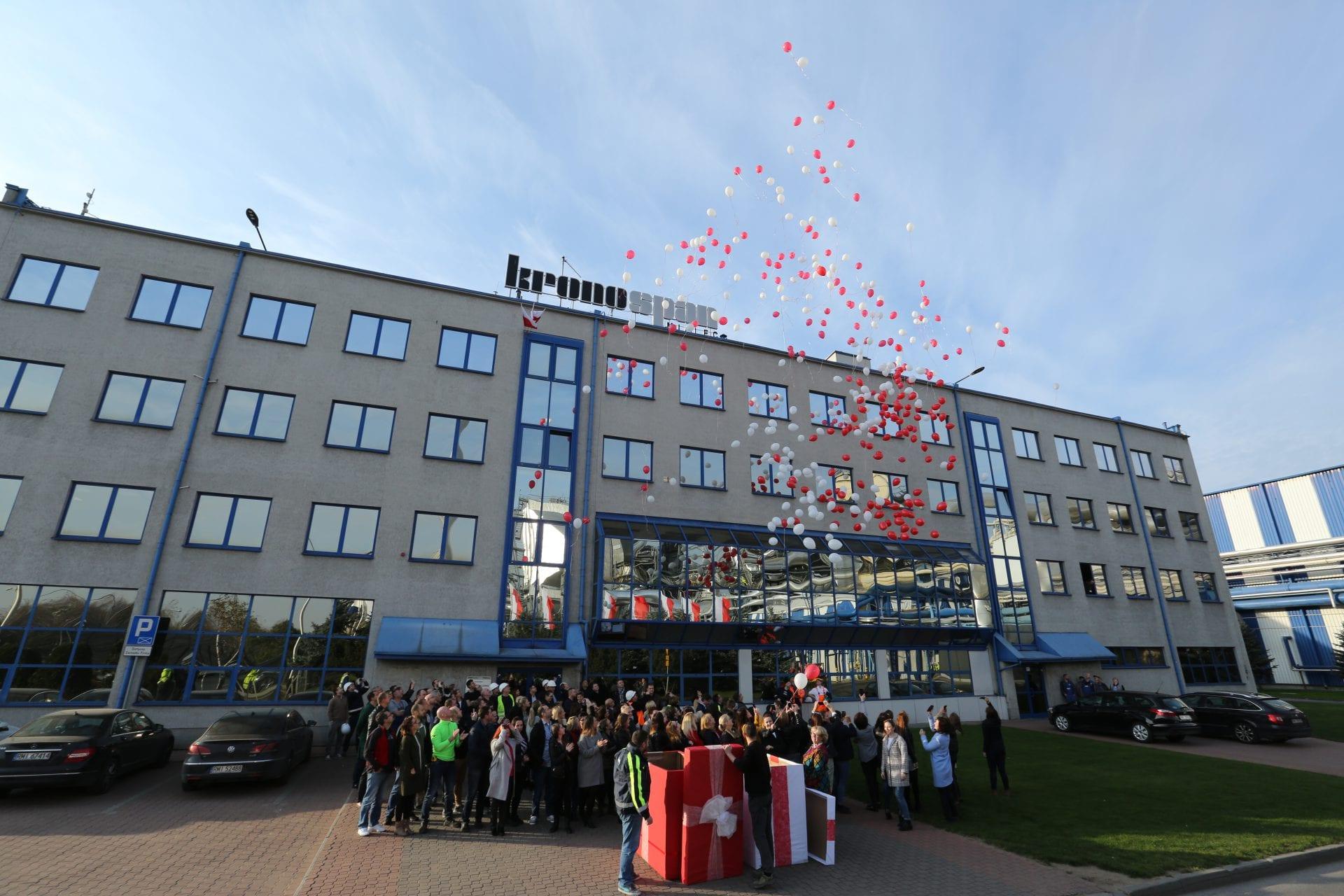 Kronospan świętował 100-lecie niepodległości