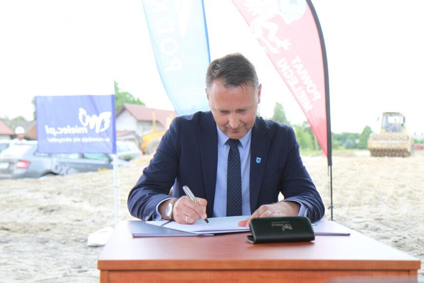 Podpisanie trójstronnego porozumienia ws. budowy wiaduktu [FOTO, VIDEO, DRON]